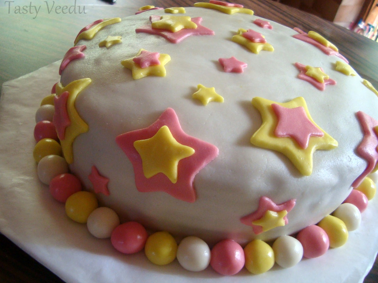 Cake Recipe For Icing With Fondant: Tasty Veedu: FONDANT BIRTHDAY CAKE