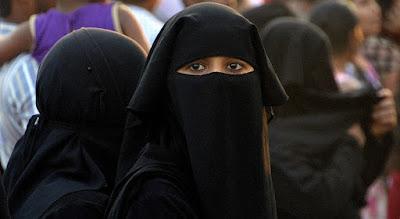 Kobiecość w burkach