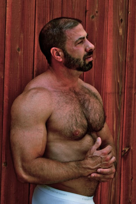 Hairy Muscle Bara-4572