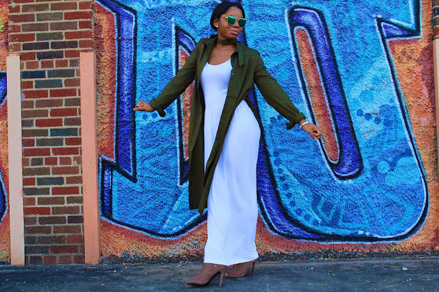 StyleGuruZak_white_maxi_dress_outfit_green_belt_shirt