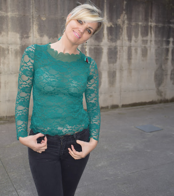 Green outfit how to wear green how to combine green mariafelicia magno fashion blogger fashion bloggers italy italian fashion bloggers march outfit spring outfit