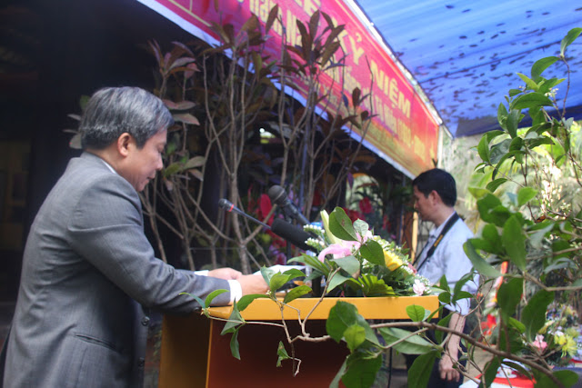 Đồng chí Doãn Thế Cường đọc diễn văn tưởng niệm liệt sỹ Tô Hiệu