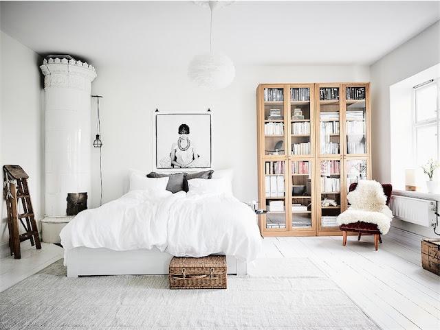 dormitorio nordico con chimenea chicanddeco