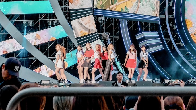 Cherry Bullet Kpop sbs super concert in gwangju