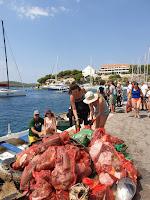 Ekološka akcija čišćenja podmorja Milna slike otok Brač Online