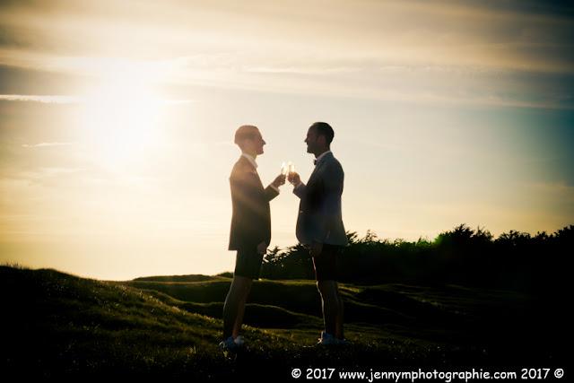 coucher de soleil dans les dunes en amoureux