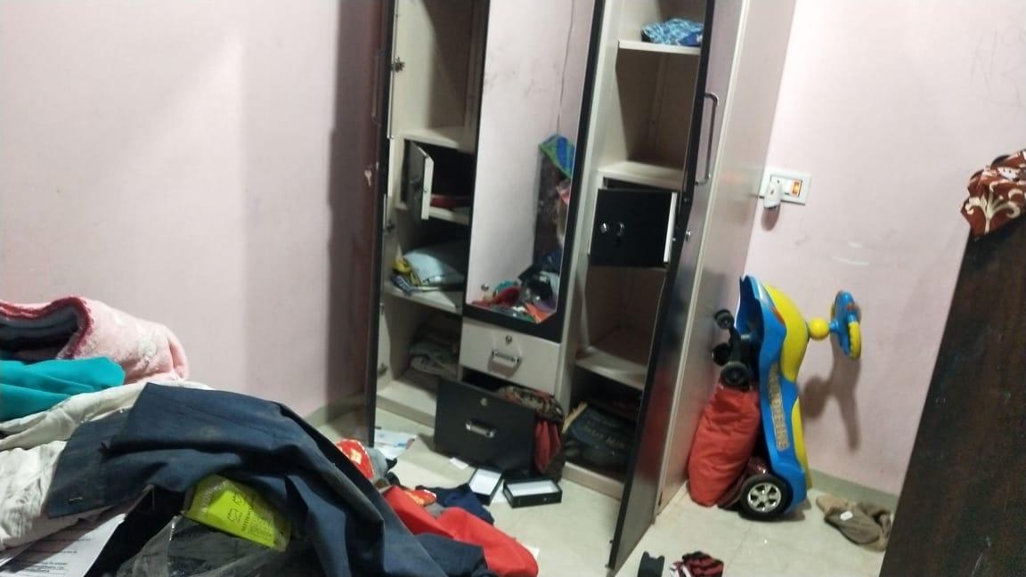 थान्दला निजी विद्यालय में चोरी, भृत्य को आई गम्भीर चोटें