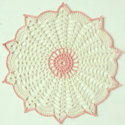 ByHaafner, crochet, doily, pastel, white and pink