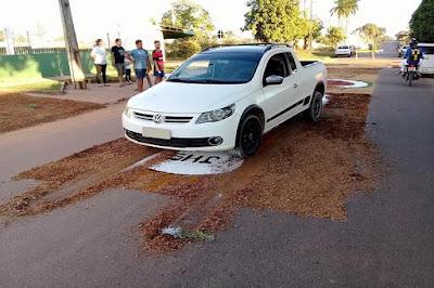 Evangélico destrói tapete de Corpus Christi com carro