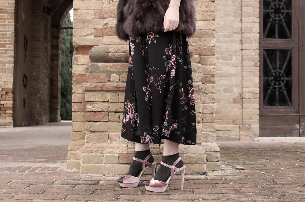 look sandali e calzini glitter