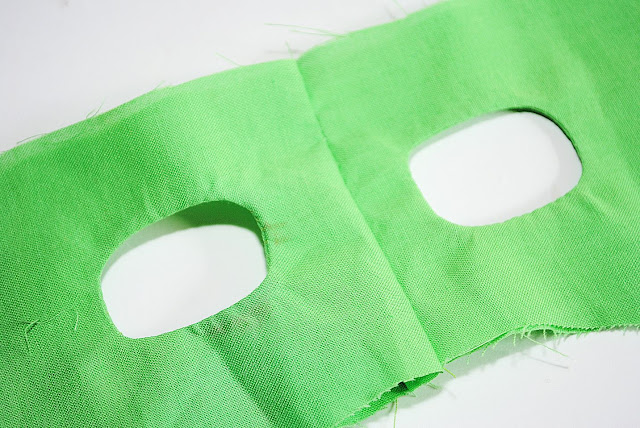 Kid's mask pattern