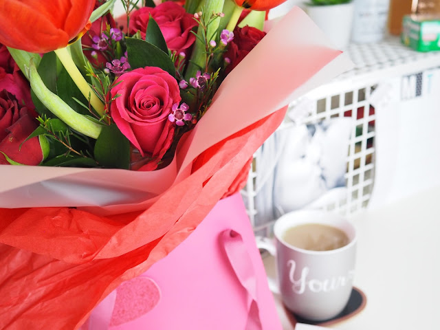 cute valentine's day flowers and card