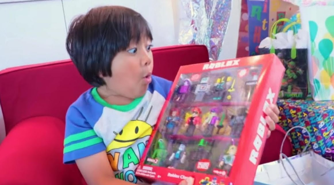 Youtuber Star: Bambino di 8 anni guadagna 22 milioni di dollari con Video Unboxing.