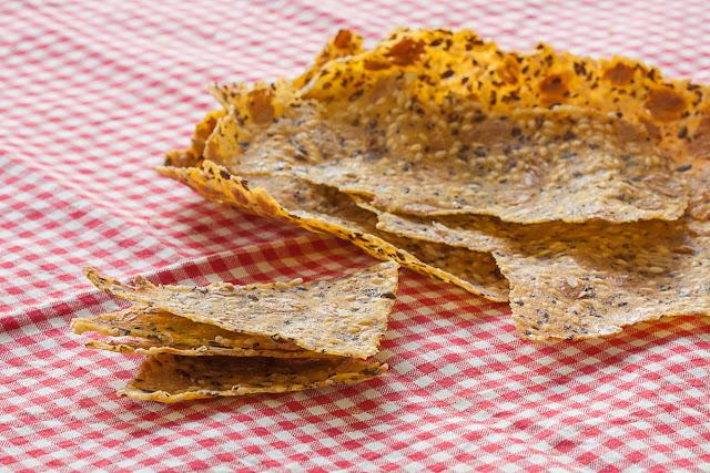 Tanki krekeri poput čipsa od kukuruznog brašna