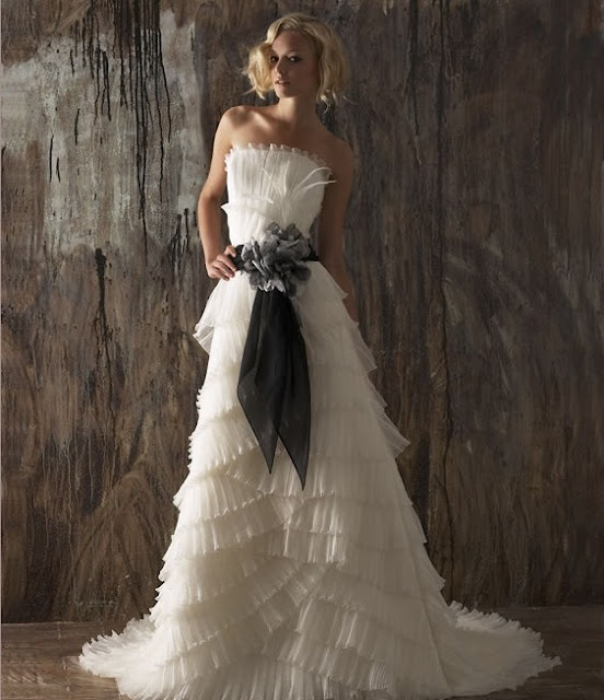 Wedding Gown Color Meanings: Wedding Dresses With Colored Sash