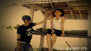 Lirik Lagu Rindu 4WD Band Bali