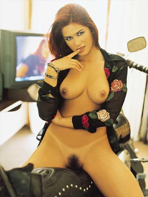 Livia Andrade pelada nua na playboy 19
