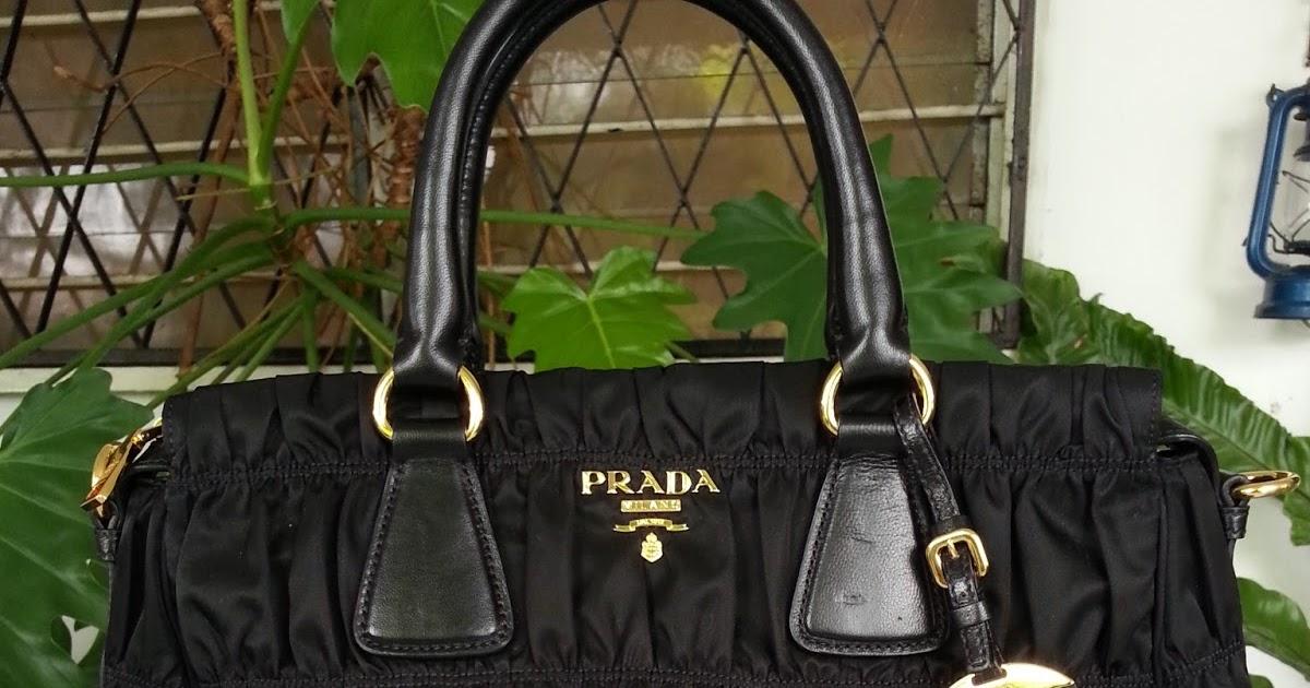 656a03d5e1c1 ... inexpensive bagz hauz fashion sold prada b1336m nylon gaufre tote in  nero black 0cac4 3d78e