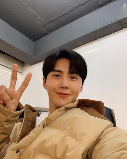 akun instagram kim seon ho pemeran han ji pyeong start-up