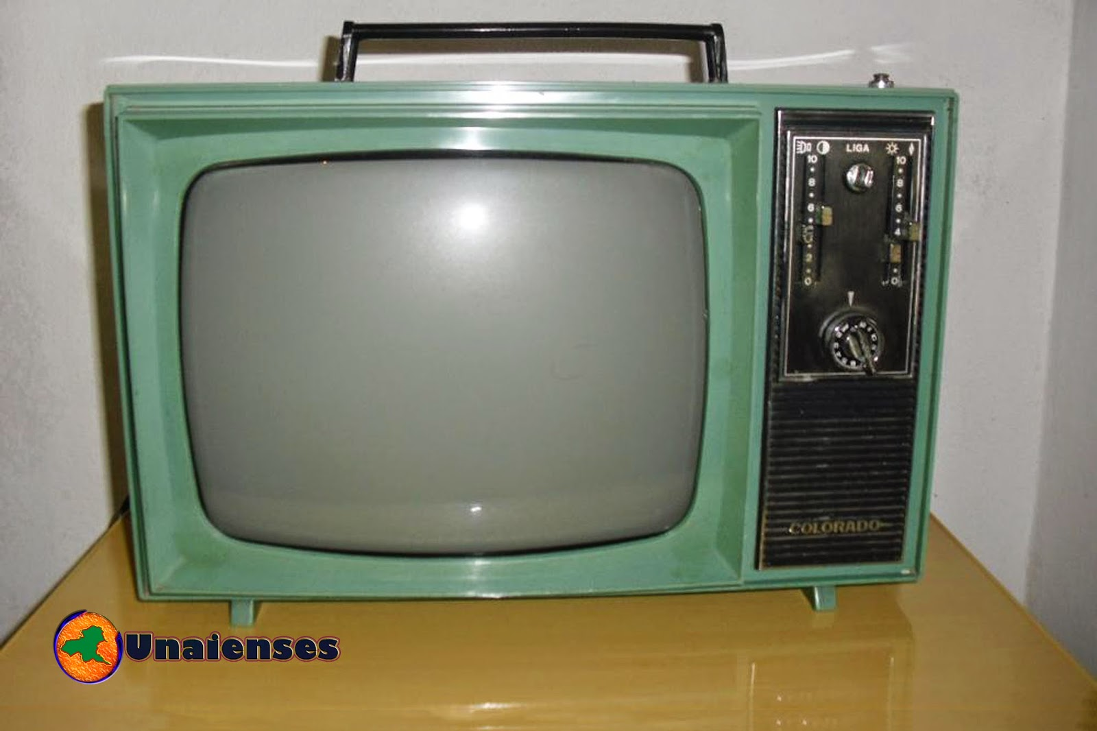 Unaienses o fim das tvs de tubo no mercado - Television anos 70 ...
