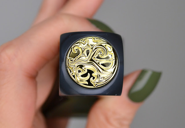 Oribe Green Envy Swatch