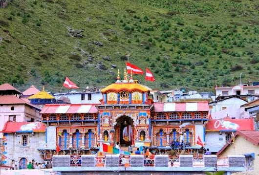 Tourists of Bageshwar Experience Spirituality in Badrinath