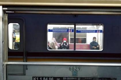 Bolehkah Membuka Jendela Commuter Line ?