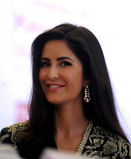 Katrina Kaif Stills at Receving Smita patil memorial award