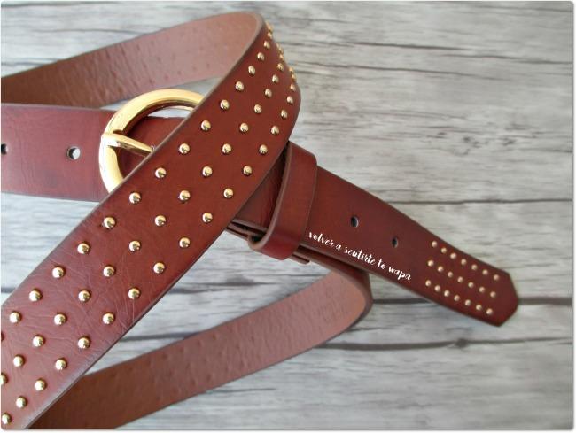 Primark - Cinturón marrón con tachuelas doradas