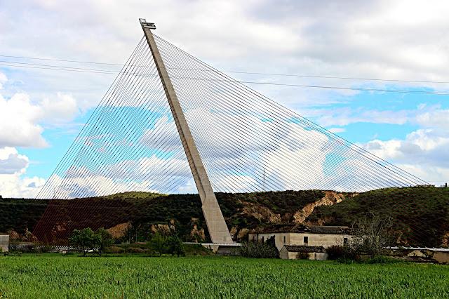 Puente atirantado de Talavera sobre el Tajo. Record de altura en Europa