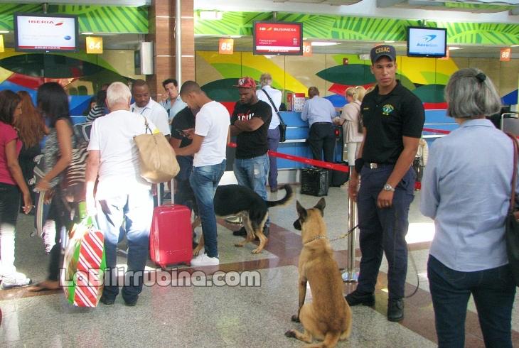 """Autoridades dominicanas en """"extrema vigilancia"""" ante pasajeros de Medio Oriente"""