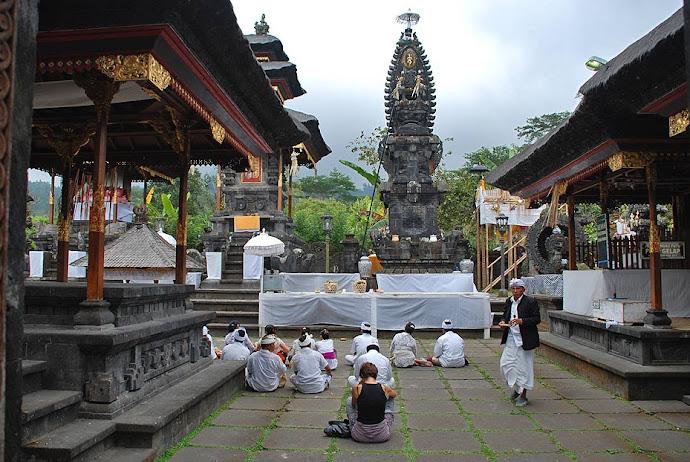 Ritual en el templo