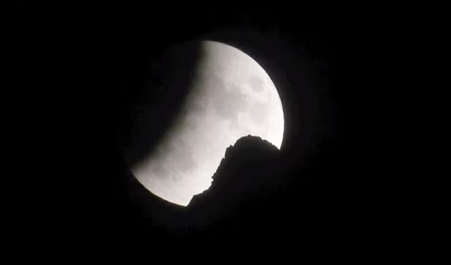 Η Πανσέληνος και η έκλειψη Σελήνης που δεν είδαμε λόγω Αντίνοου (βίντεο)