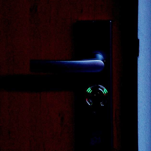 Best Night Gadgets for You - Illuminated Keyhole Indicator