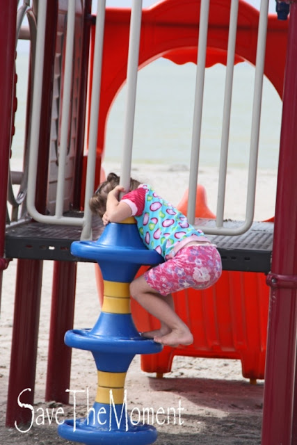Das Klettergerüst am Strand auf dem mein Kind mit Behinderung gemobbt wurde