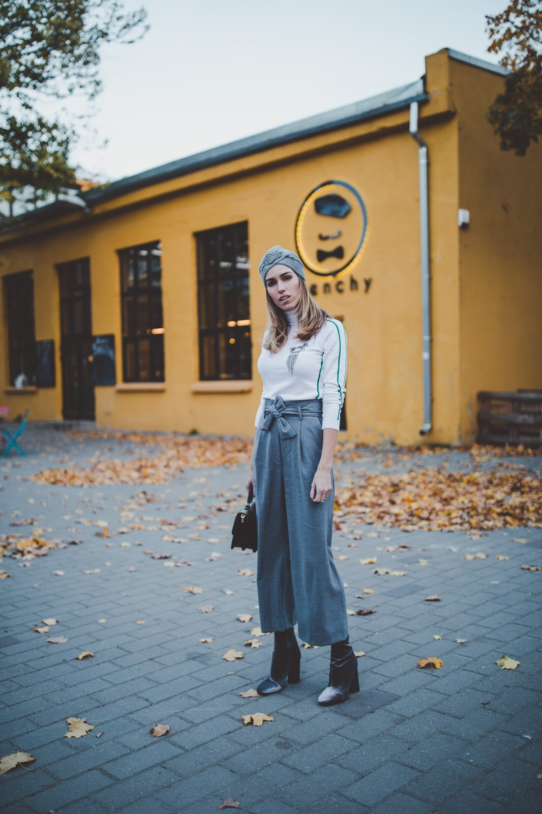 grey wool culotte pants fall outfit