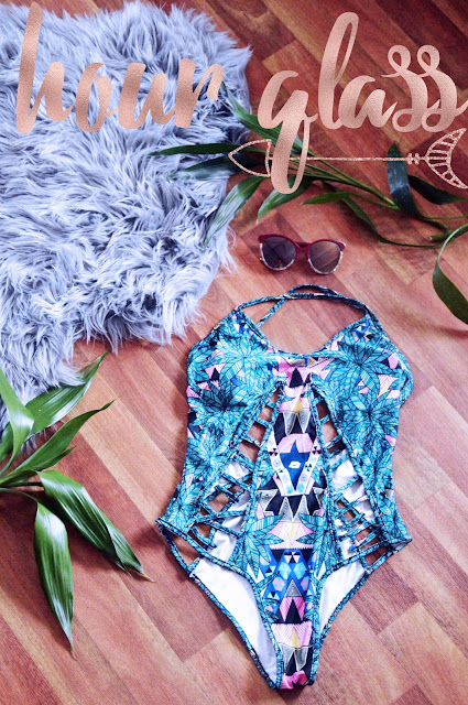 the best swimsuit for an hourglass shape body underwired boho print bikini flatlay sunglasses