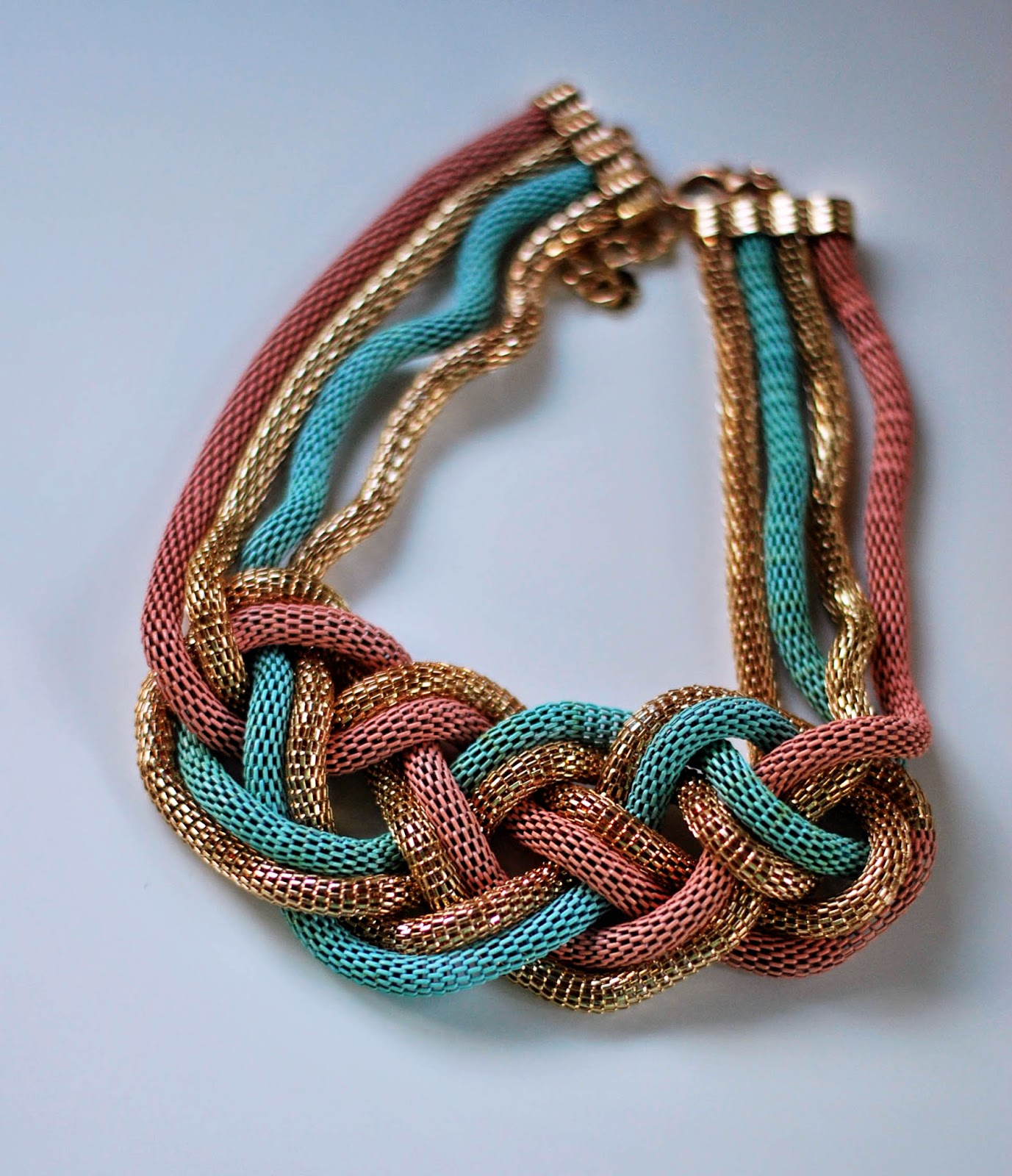 collar-lefties-cadena