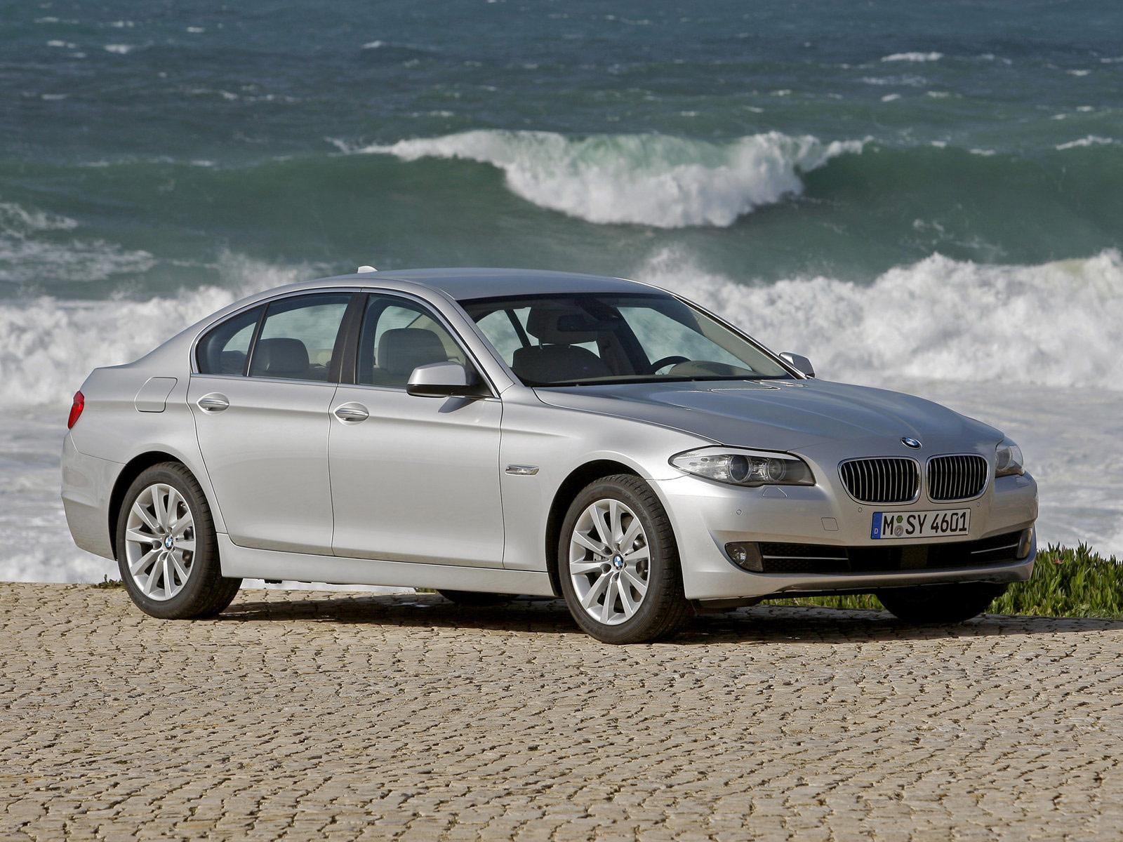 2011 BMW 5-Series Desktop Wallpapers