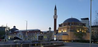 Mezquita y Mercado Central de Sofía.