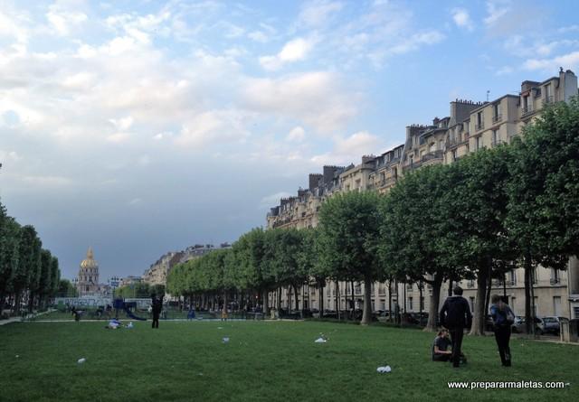 Esplanade Jacques Chaban-Delmas en París