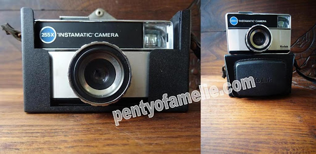 vintage Kodak Instamatic 255X Camera, manufactured in Germany. Circa 1972, with original kodak case.