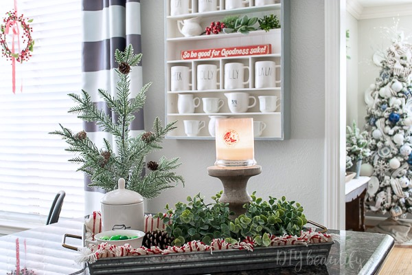 farmhouse kitchen decor for Christmas