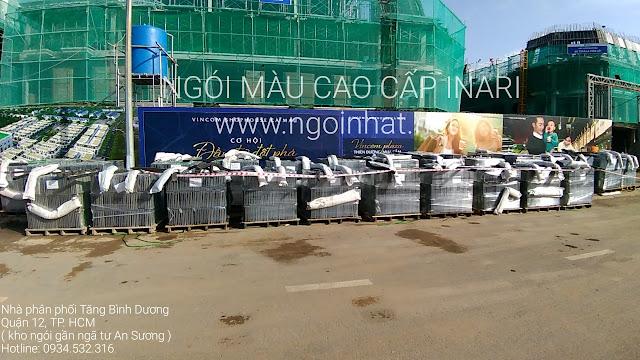 Tập kết ngói tại dự án Vincom Cà Mau