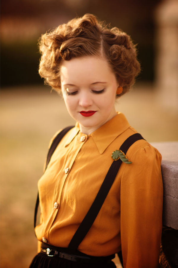Flashback Summer: 1940s Mustard Blouse