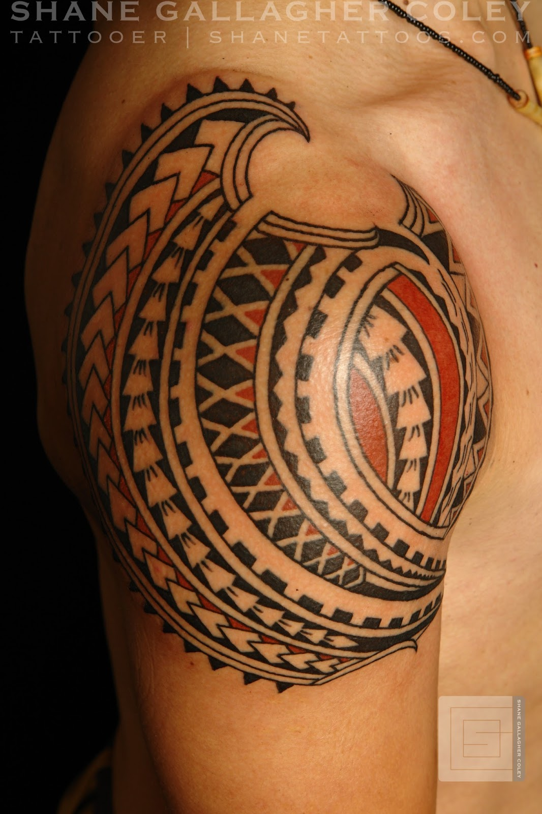 Maori Body Art: MAORI POLYNESIAN TATTOO: Polynesian Shoulder Tattoo