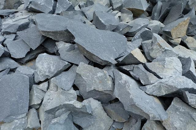 harga batu pondasi