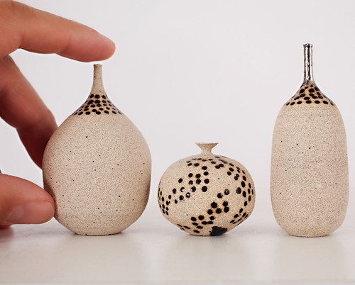 03-Jon-Almeda-Tiny-Miniature-Pottery-Vases-Teapots-and-Bowls