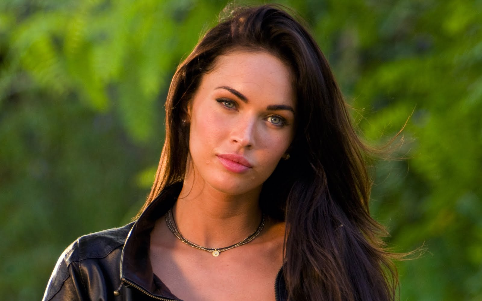 Unseen Girl Wallpaper Megan Fox Hot High Resolution Hd Wallpapers Free Download