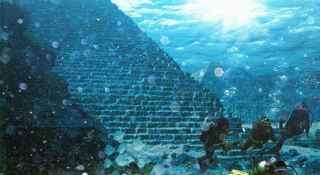 Τρίγωνο των βερμούδων. Βρέθηκαν υποβρύχιες πυραμίδες φτιαγμένες απο γυαλί!